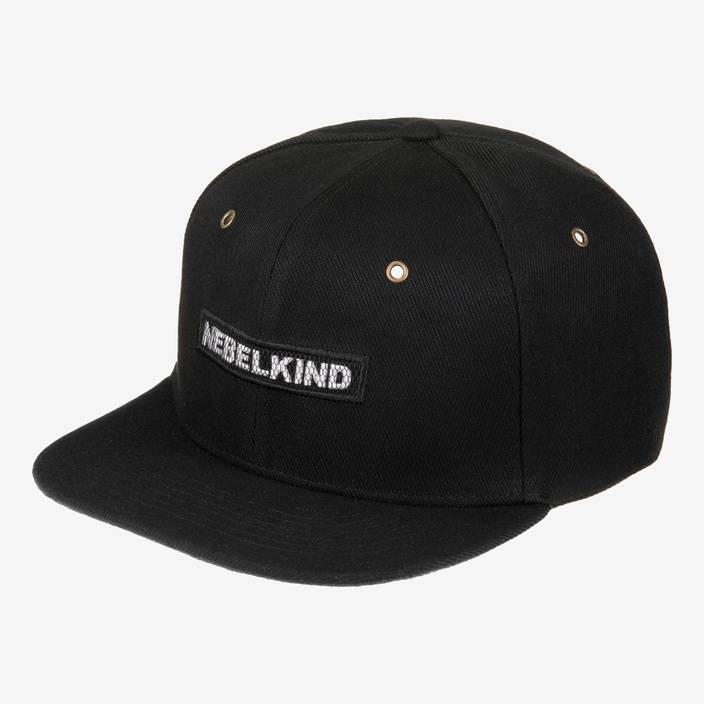 Nebelkind Back in Black Snapback in black