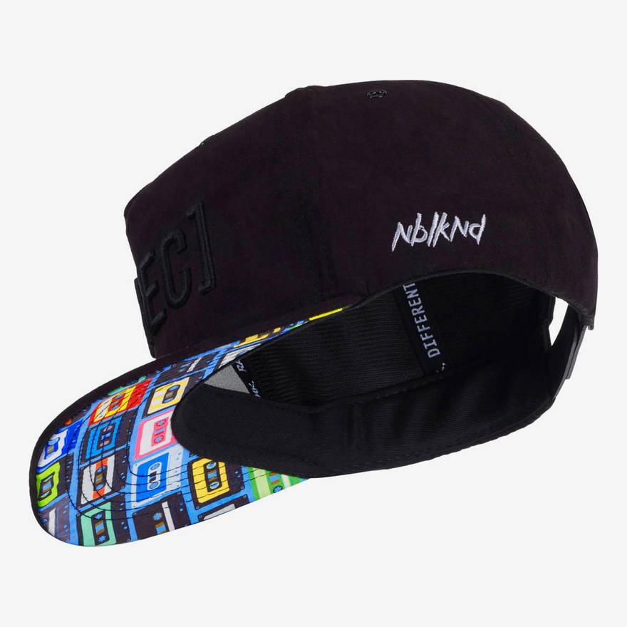 Nebelkind REC. II Snapback in black