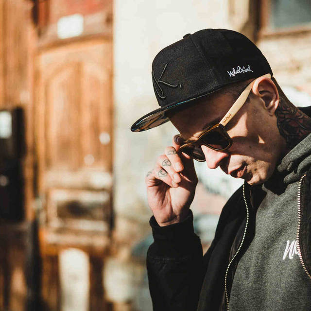 Nebelkind Pills Snapback in black
