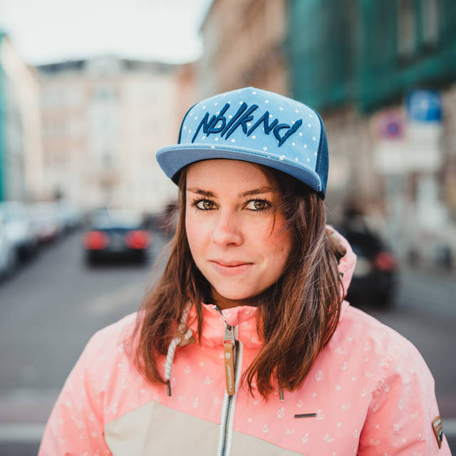 Nebelkind Dotty Snapback in blue