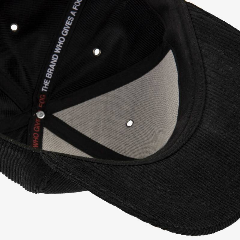 Nebelkind Corduroy Strapback in black
